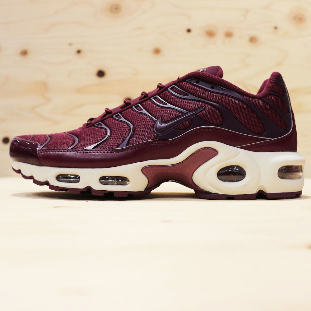 画像1: NIKE WMNS AIR MAX PLUS TN (1)