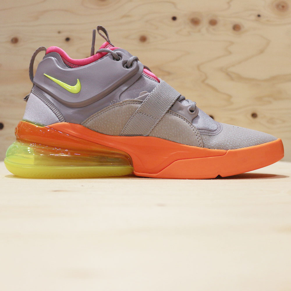 low priced 460a1 8e64c NIKE AIR FORCE 270